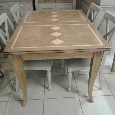 Windrush Dining table