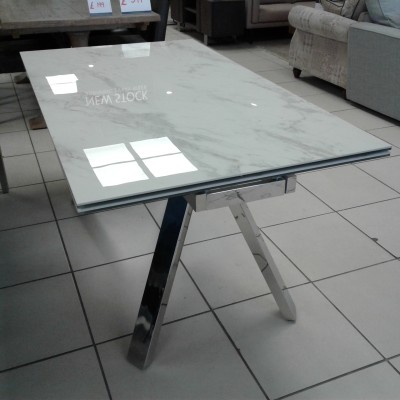 Ginostra dining table